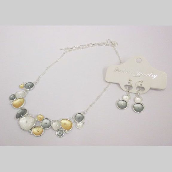 Pendants and enamelled necklace