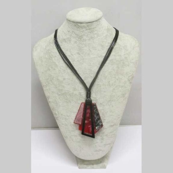 dominant red resin pendant necklace