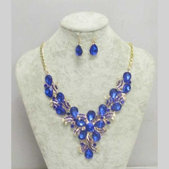 jewelry accessory to match your dress