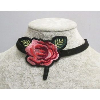 flower choker in set