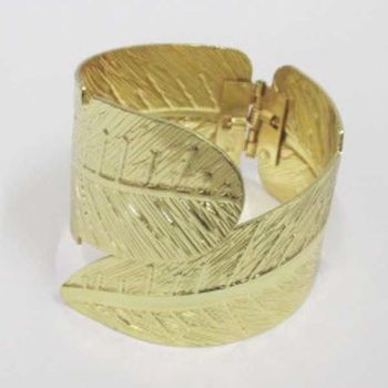 bangle bracelet in gold