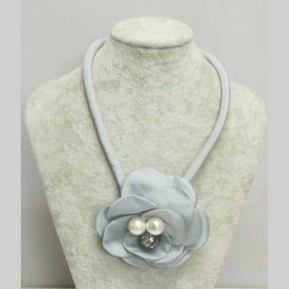 gray flower necklace