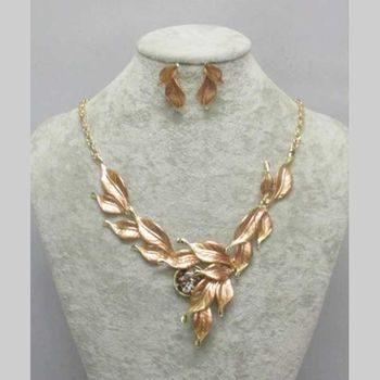 gold leaf necklace jewelry