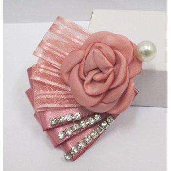 brooch to adorn outfits
