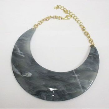 wide resin bow necklace jewelry