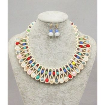 jewelery rainbow necklace