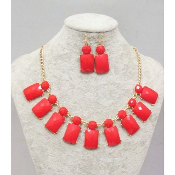 sell more jewelry by selling at a low price