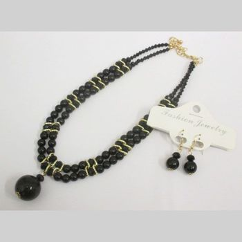 necklace 2 rows black pearl with dangling ball