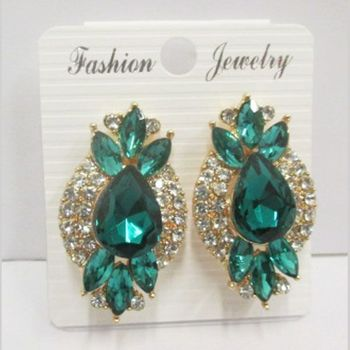 comfortable green clip on earrings