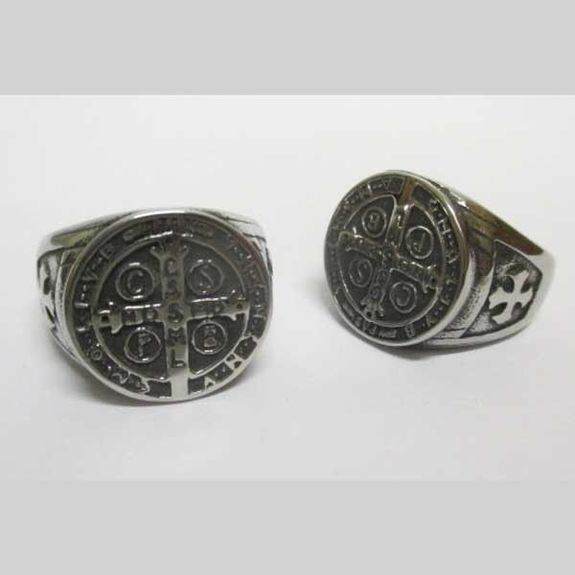 Templar ring cross st Benoit
