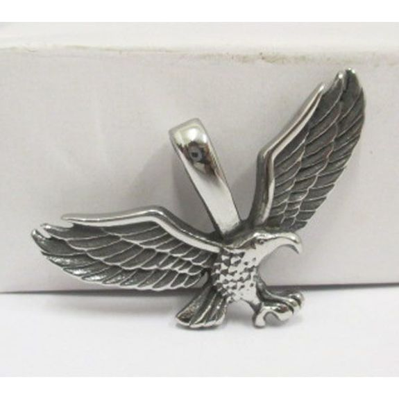 Eagle medal with wings deployed