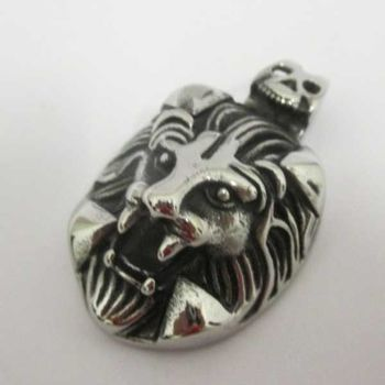 lion medallion with fangs