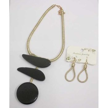 black resin necklace jewelry