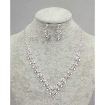 wedding crystal necklace with its earring