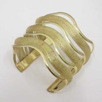 corrugated bracelet several rows