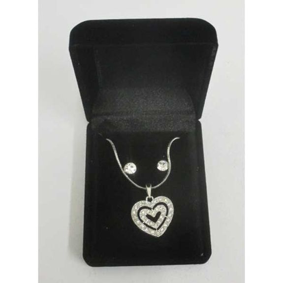 heart necklace with rhinestone crystal for the holidays