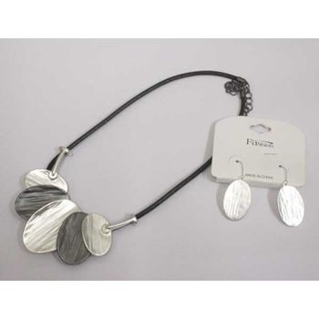 Cord-mounted leaf pendant