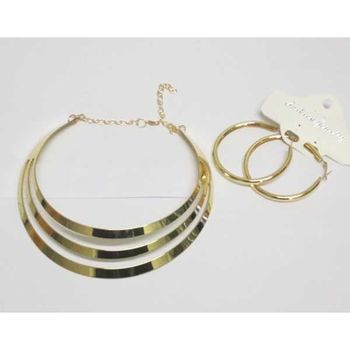 choker necklace with creole earring