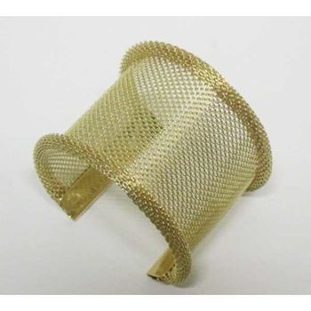 mesh bracelet with curved edge