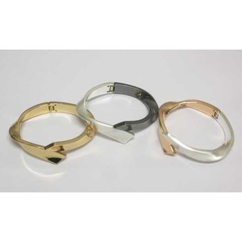 epure bracelet sold in 3 colors