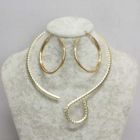 slip on necklace with creole earring