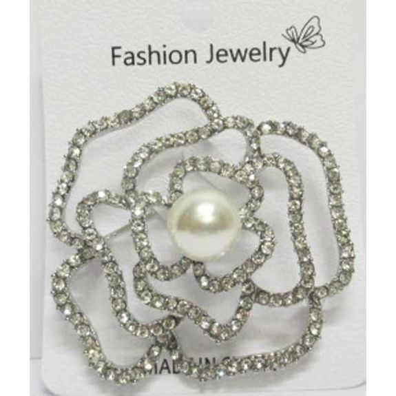 big pearl flower brooch in the middle