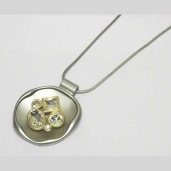 necklace pendant round jewelry accessory woman