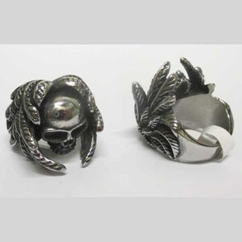 laurel leaf skull ring