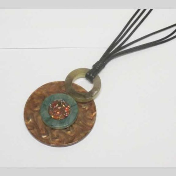 long round pendant resin necklace