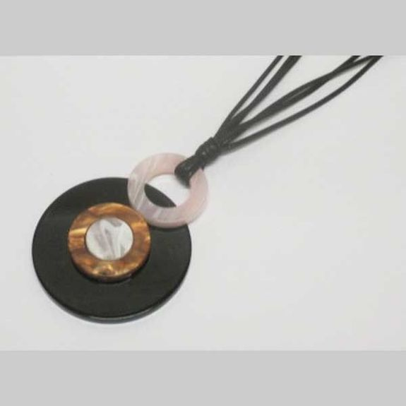 Two-tone round resin pendant necklace