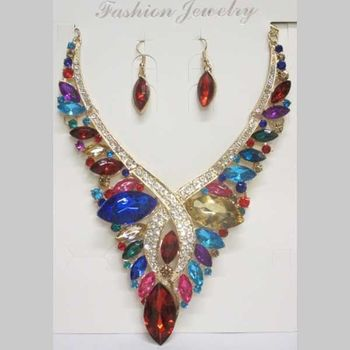 multicolored jewelry set to brighten up your outfit
