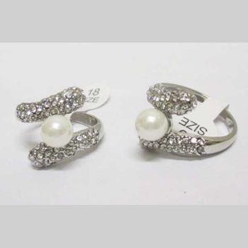pearl crystal ring in the middle
