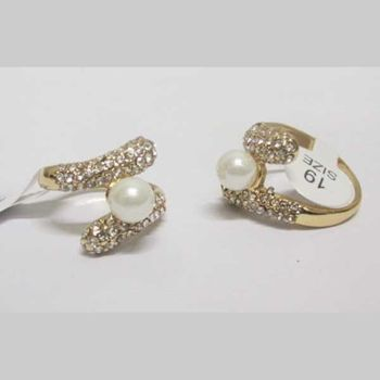 pearl golden crystal ring