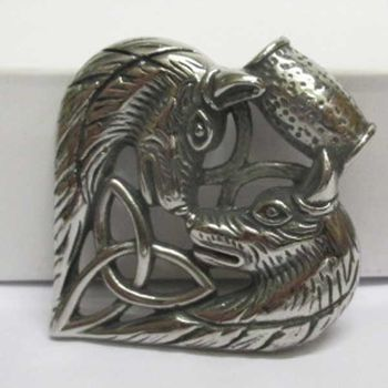 pendant 2 wolves head