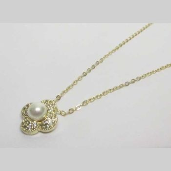 rhodium-plated golden pearl flower necklace jewelry