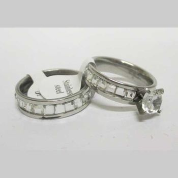 alliance and solitaire ring set