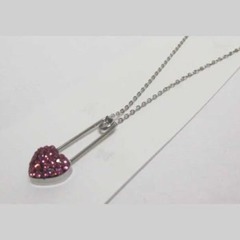Steel heart safety pin with its collar