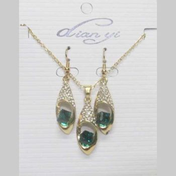 green crystal jewelry at wholesaler