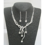 Woman's jewelry set silver