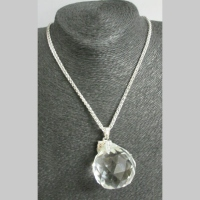 Long collier verre