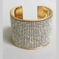 Woman's bracelet spangle gold