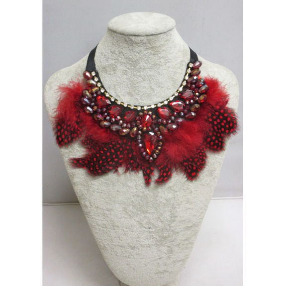accessory essential collar feathers