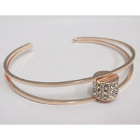 woman copper bracelet