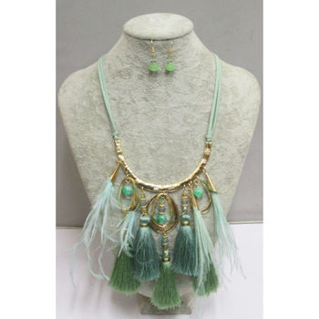 pompon jewelry supplier