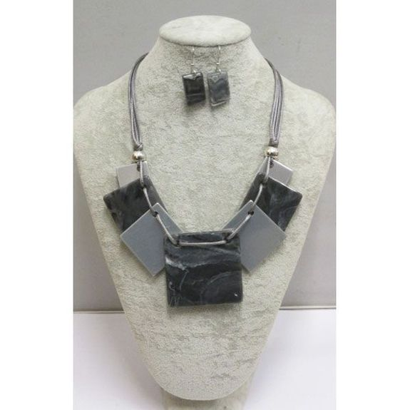 jewelry the essential fashion accessory