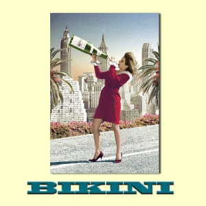 Carte postale BIKINI - Big Bottle Girl