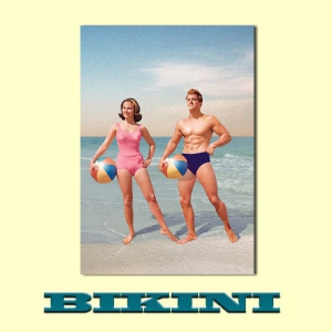 Carte postale BIKINI - Couple at beach