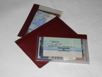 Porte-document Couleur bordeaux