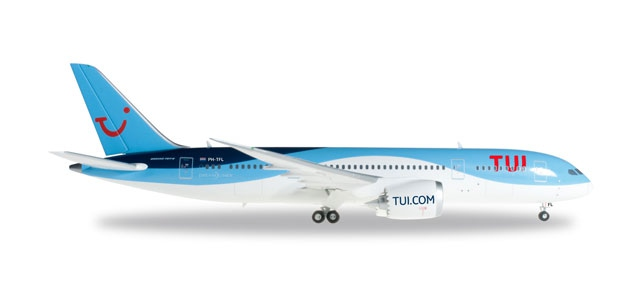 TUI Airlines Boeing 787-8 Dreamliner