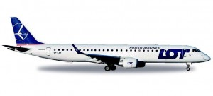 LOT Polish Airlines Embraer E195 - SP-LNF